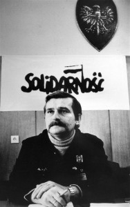 160218-160218-world-lech-walesa-filer-1981-6a-jpg-0600_e5a0591af6b6d94cd408e5a4f9ef2521.nbcnews-ux-2880-1000